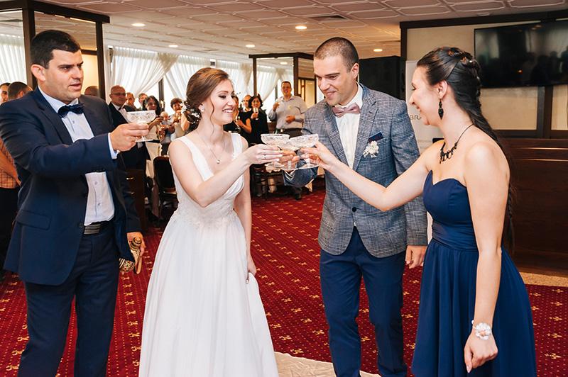 сватбена наздравица
